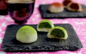 Cách làm Mochi trà xanh nhân kem cùng trung thu nhé