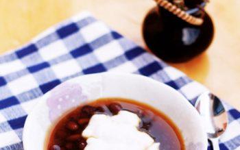 Đường thốt nấu chè đậu đen, món chè với hương vị mới lạ