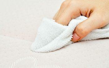 Mẹo vặt để xử lý Vết máu trên Khăn trải giường