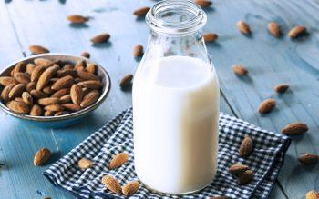 Cách làm sữa hạnh nhân bổ dưỡng siêu dễ