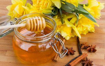 12 công dụng làm đẹp bất ngờ từ mật ong
